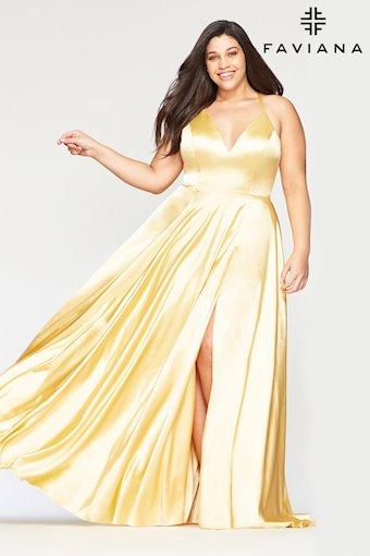 Faviana Plus Size Style: 9469