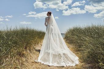 L'Amour by Calla Blanche Style No. LA20115