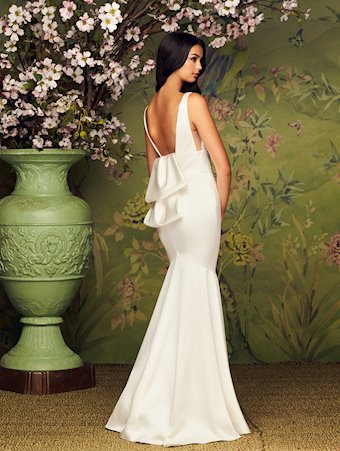 Paloma Blanca Style #4884