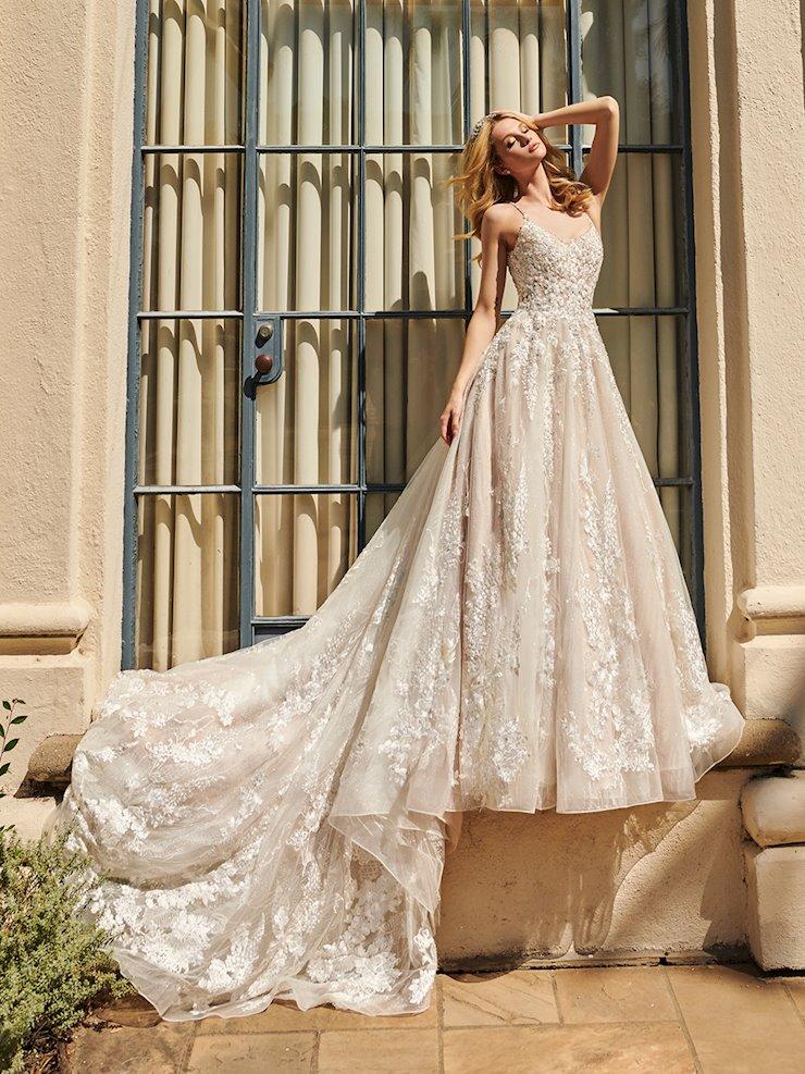 Val Stefani Style #D8227