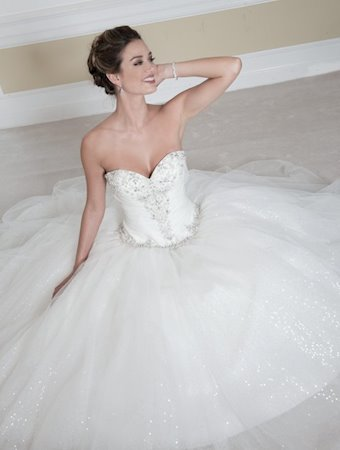 Venus Bridal Style #VE8201