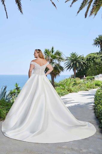 Casablanca Bridal #2401-3C
