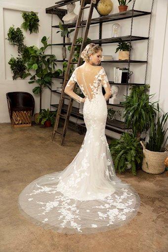 Casablanca Bridal Lorelei