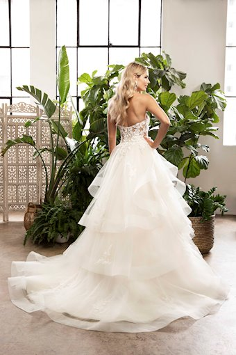 Casablanca Bridal Everlee