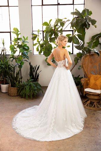 Casablanca Bridal Bella