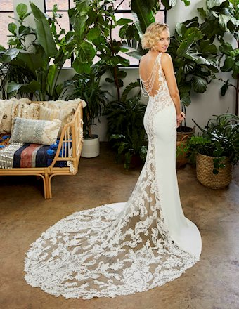 Casablanca Bridal Style #BL333