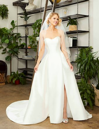Casablanca Bridal Hallie