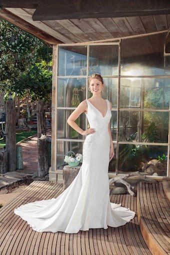 Casablanca Bridal BL256