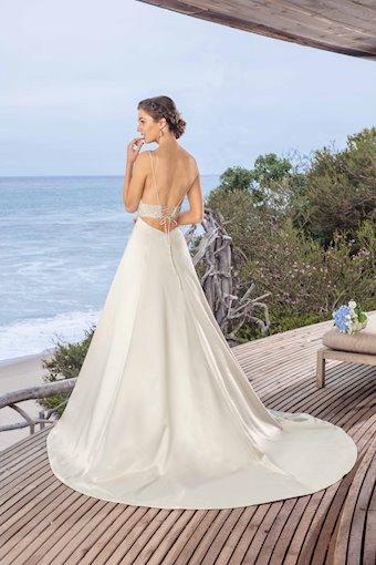 Casablanca Bridal BL257
