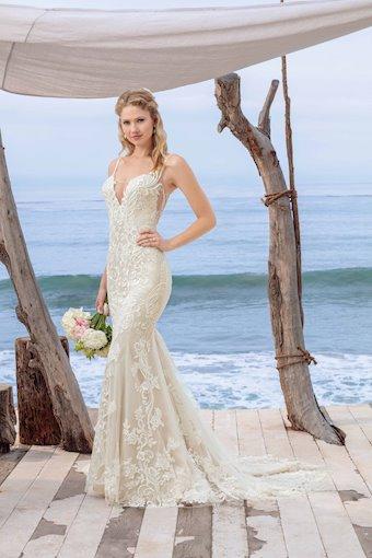 Casablanca Bridal BL260