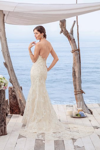 Casablanca Bridal BL261