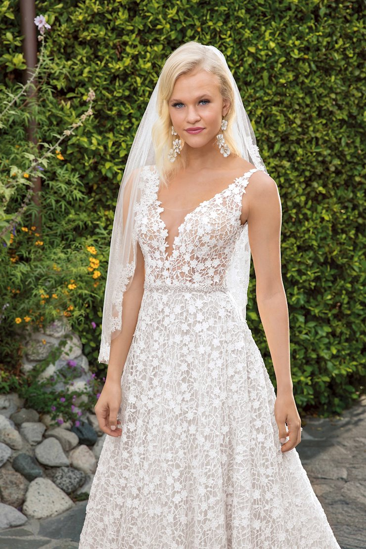 Casablanca Bridal 2354V Image