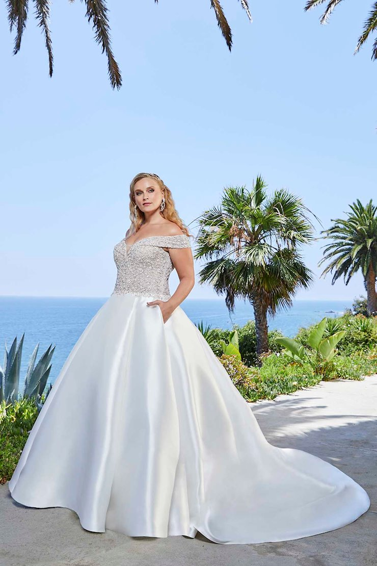 Curvy Collection Style #2401-3C Image