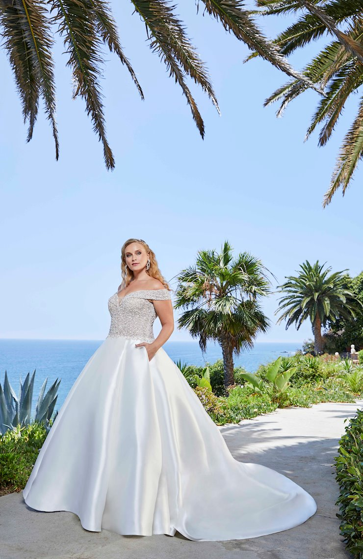 Curvy Collection Style 2401-3C  Image