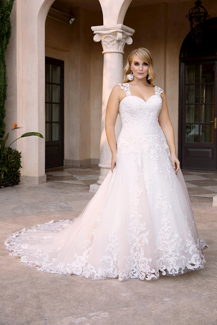 Casablanca Curvy Collection Style #2383C Image