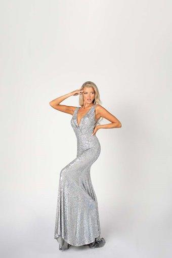 Nicole Bakti Style #6899