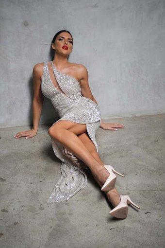 Nicole Bakti Style #6961