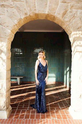 Nicole Bakti Style #6970
