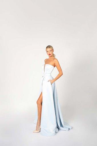 Nicole Bakti Style #6977