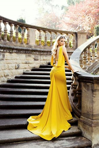 Nicole Bakti Style #6989