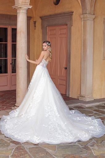 Casablanca Bridal Tegan