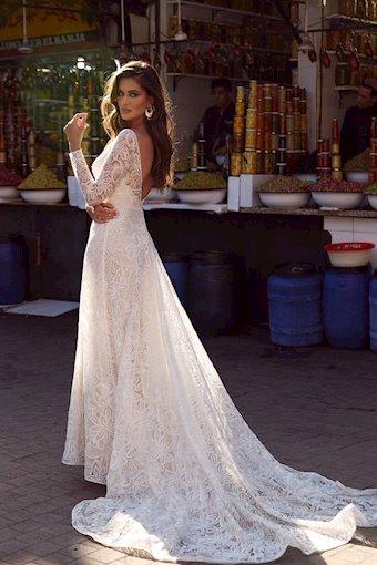 Madi Lane Amira