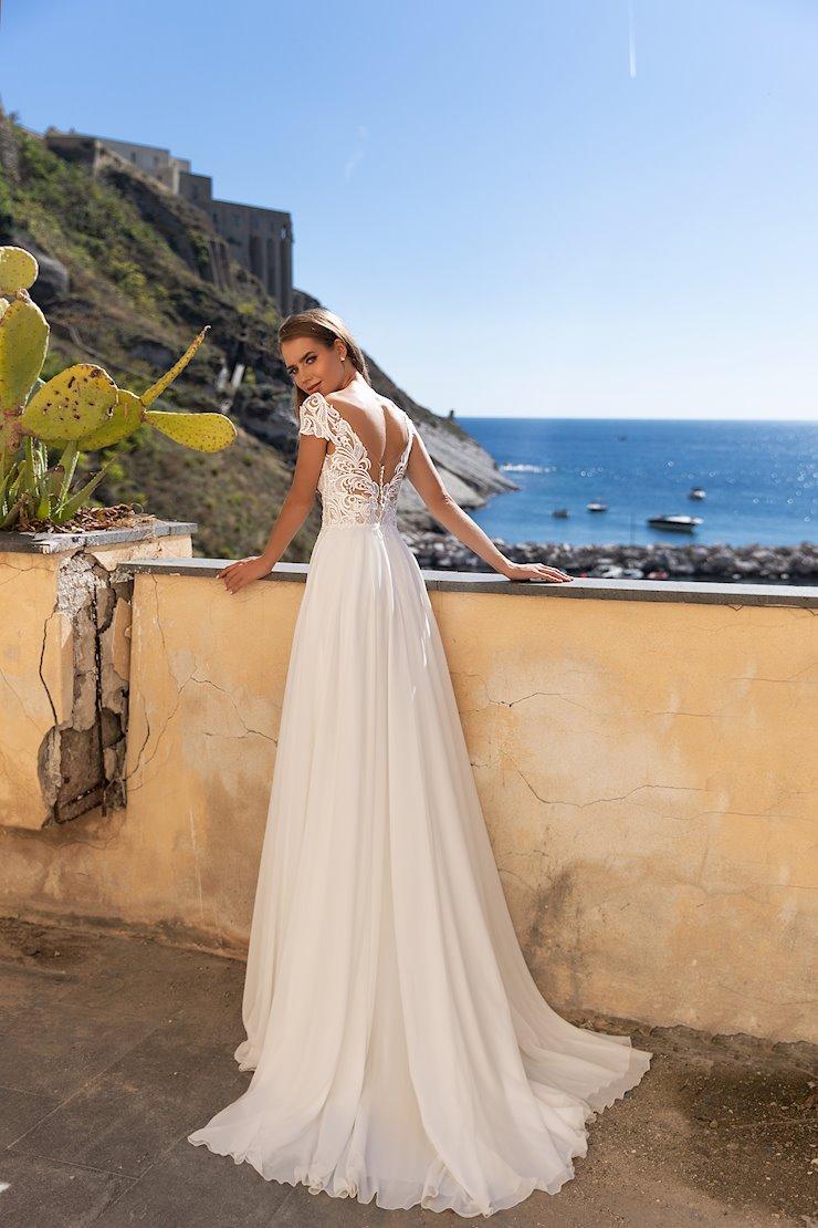 Monica Loretti Style #8126