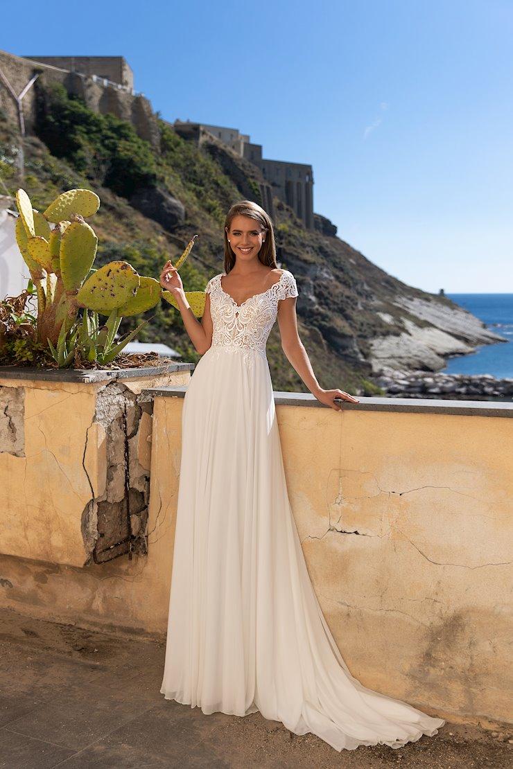Monica Loretti Style No. 8126 Image