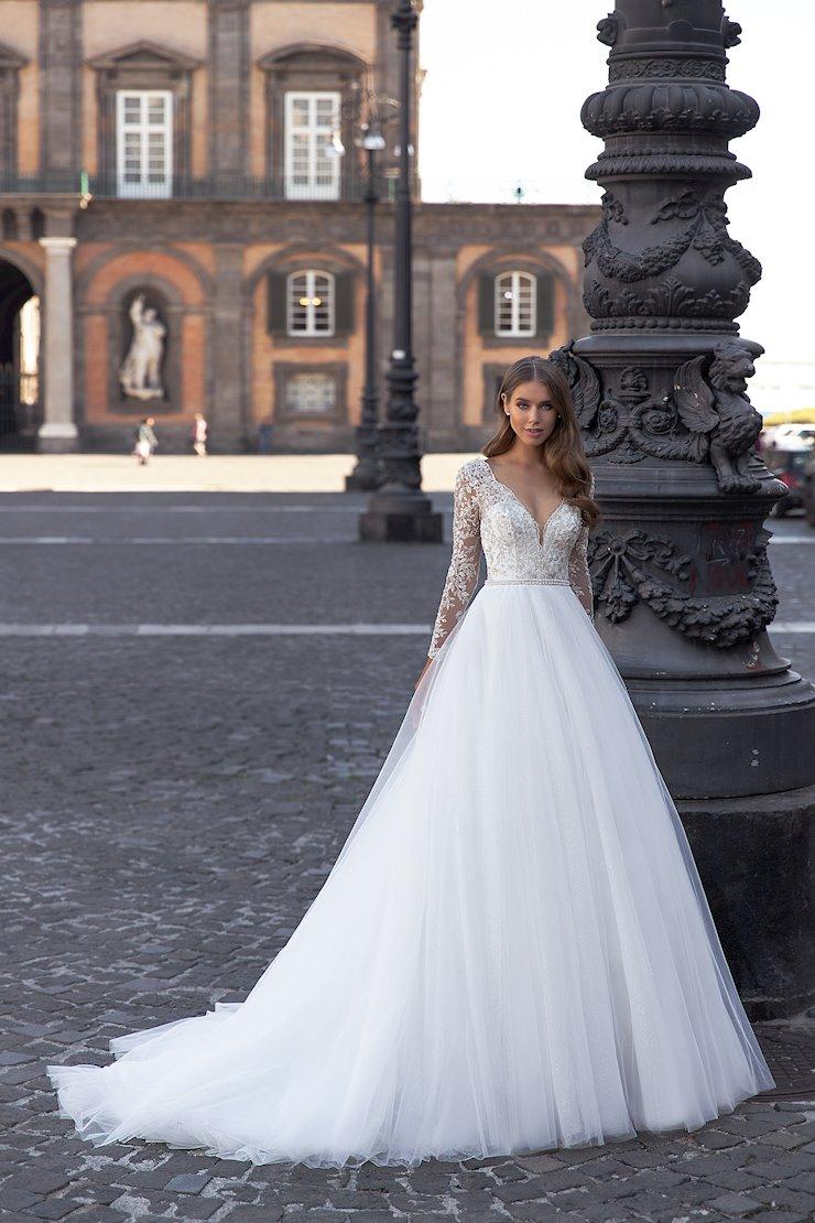 Monica Loretti Style No. 8135  Image