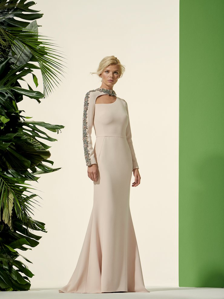 Carla Ruiz Style #96704