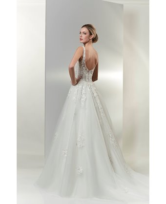Venus Bridal Style No. VE8394