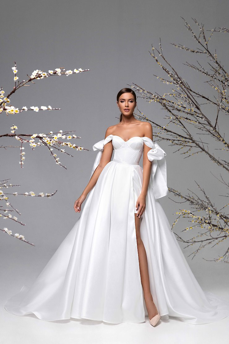 Ricca Sposa Style #21-027 Image