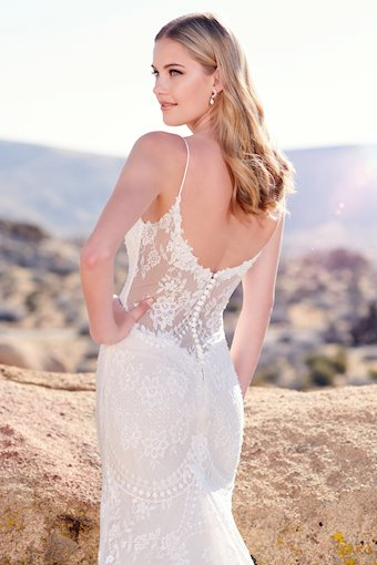 Enchanting by Mon Cheri Style #220106