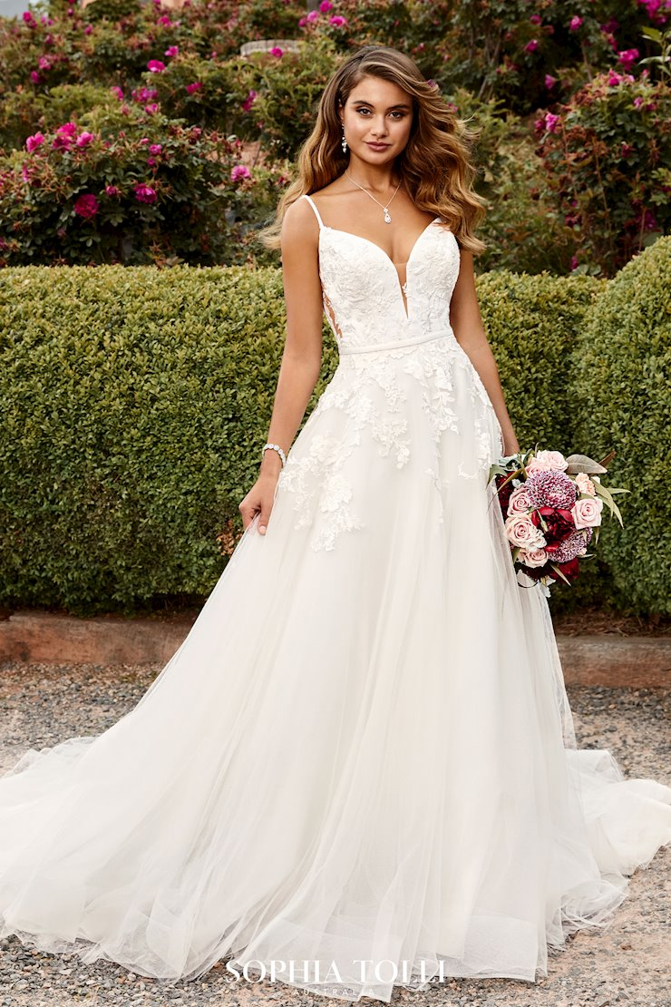 Boho Romantic Wedding Dress with Illusion Back Aurora