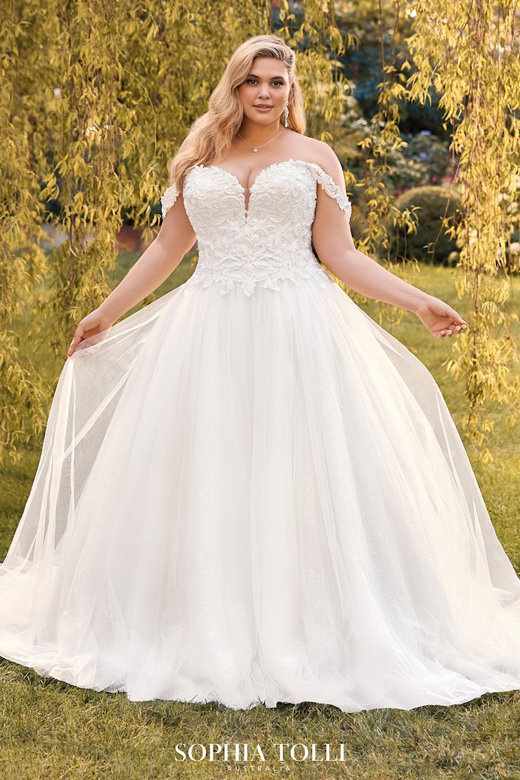 Beaded Plus Size Ball Gown Wedding Dress Karoline