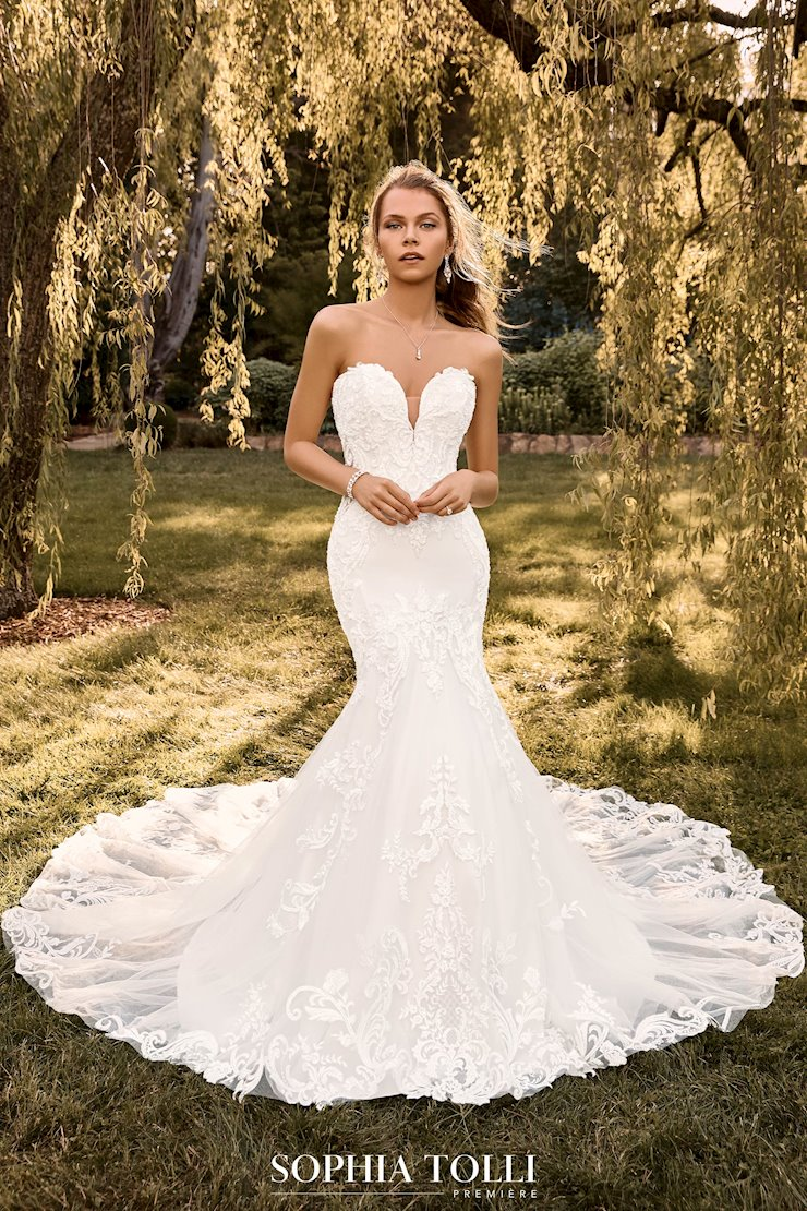 Incredible Textured Mermaid Wedding Dress Orianna