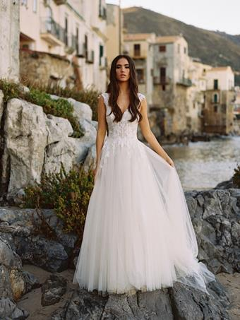 Allure Wilderly Bride Style #Carli