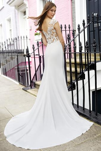 Adore by Justin Alexander style 11113