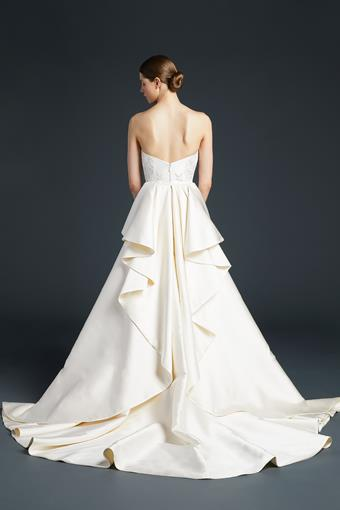 Anne Barge Couture #Nash Detachable Train