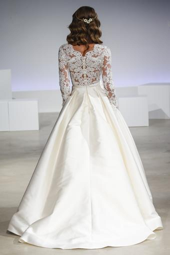 Anne Barge Couture Brooks