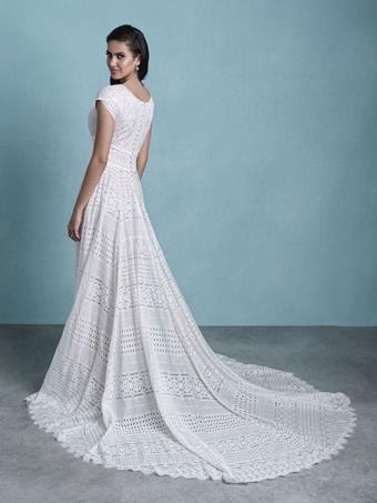 Allure Bridals M650B