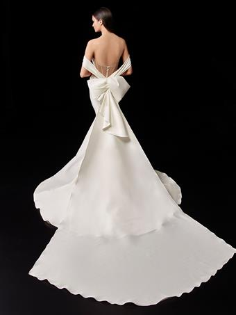 Enzoani Style #Pauline Sleeve Bow