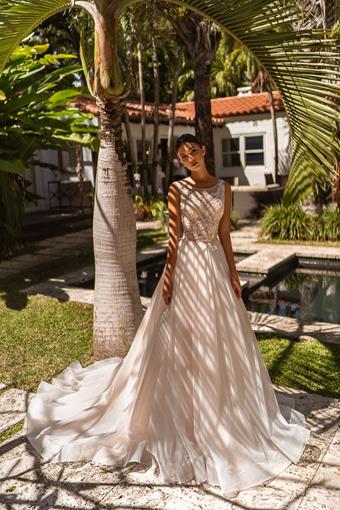 Aria Bride Ashley