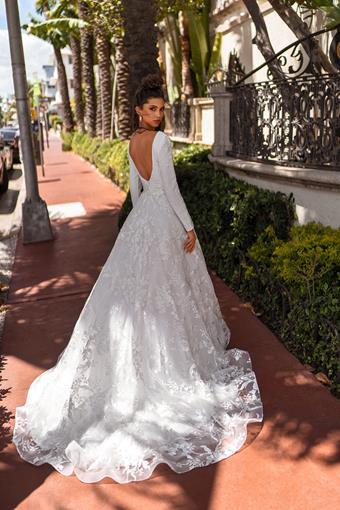 Aria Bride Style #Escada
