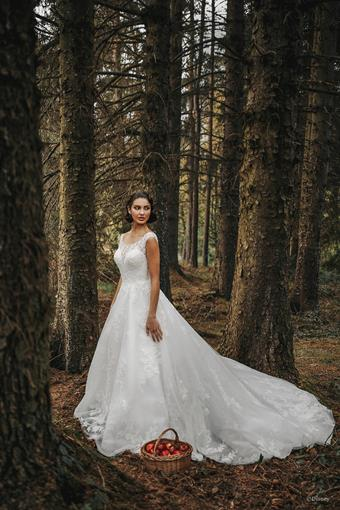 Disney Fairy Tale Weddings Style #Snow White