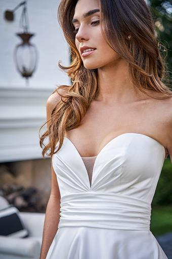 Collection by Jasmine Style #F221056
