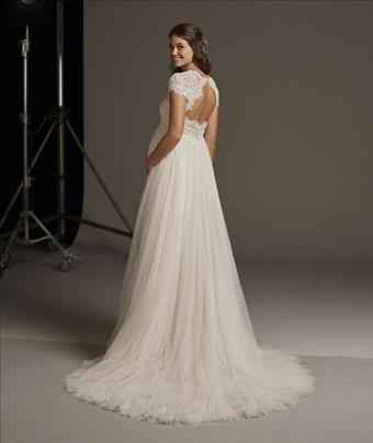 Pronovias Lucky Star