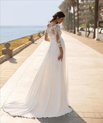 Pronovias Style #Lucky Star Long Sleeves