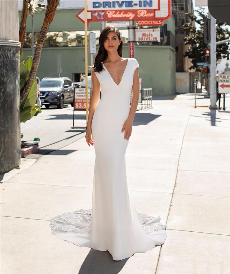 Pronovias Peters Image