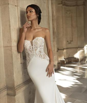 Pronovias Shearer